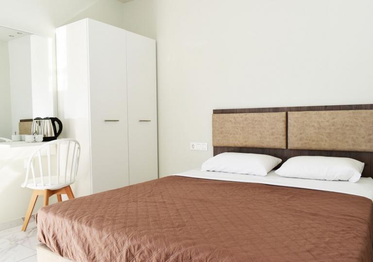GARDEN ROOMS - ROOM 05