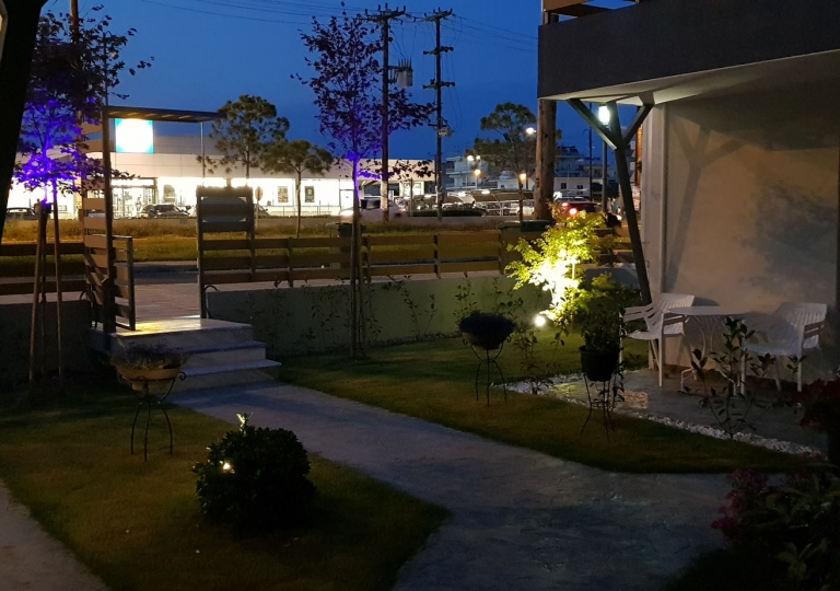 GARDEN ROOMS BY NIGHT